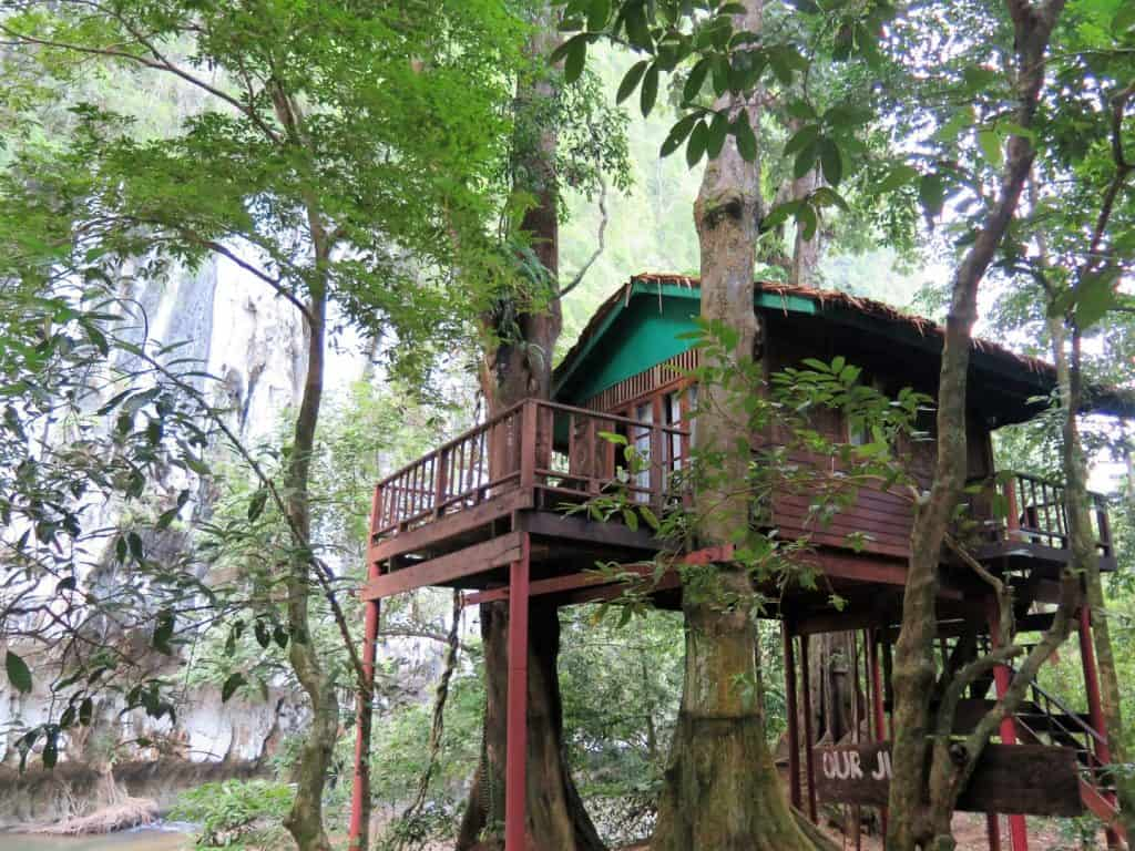khao sok jungle house