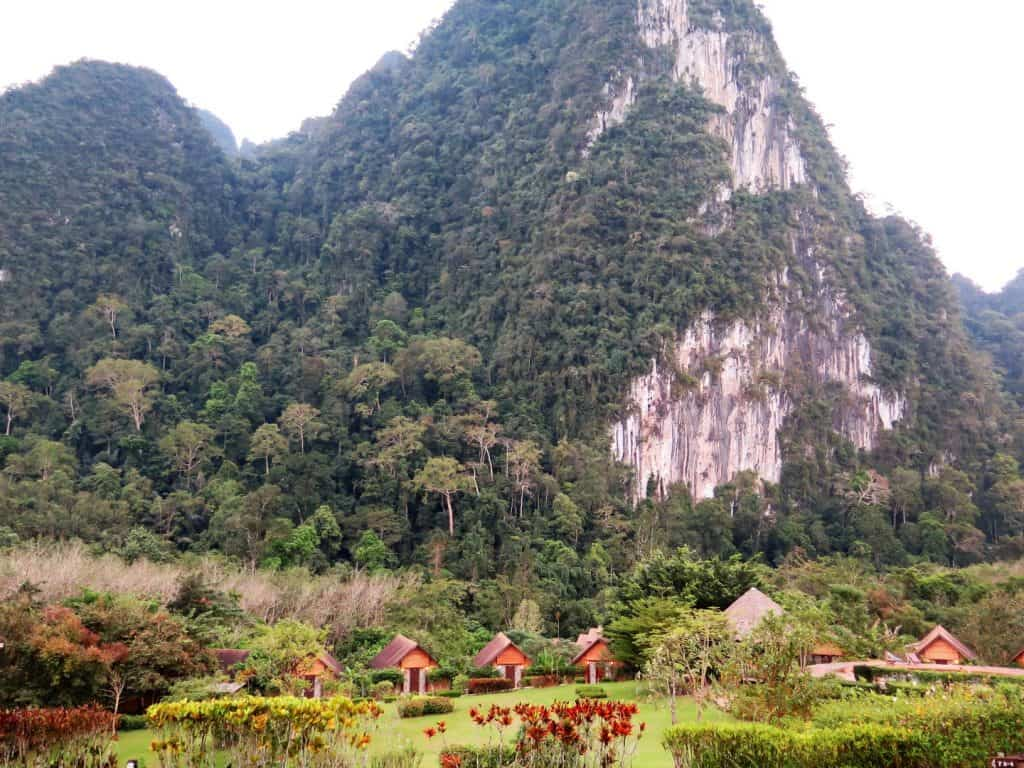 khao sok cliff and river resort