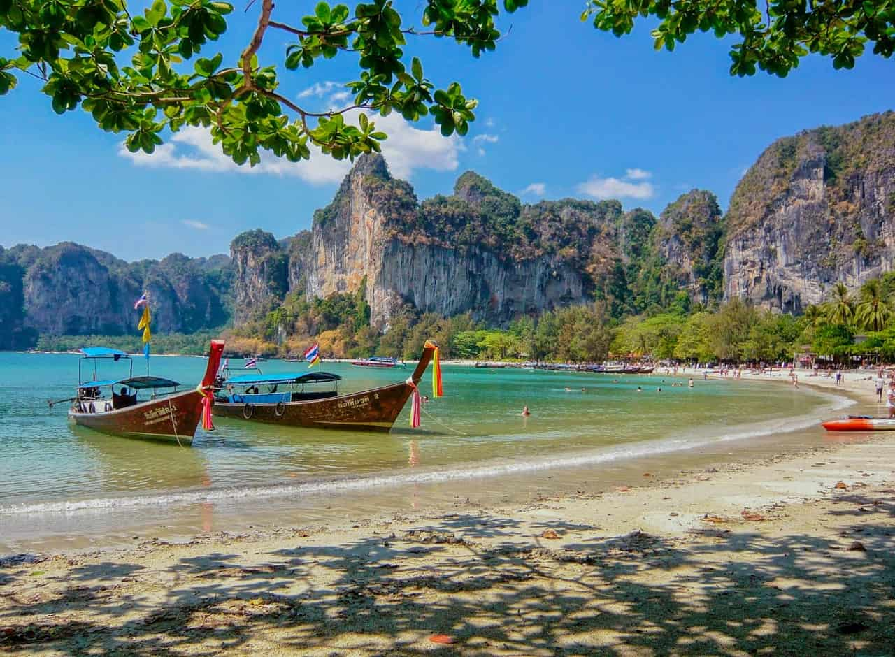 thailand beach boats