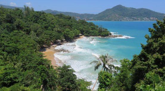 laem singh beach mandarin