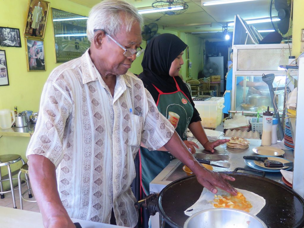 aroon roti shop phuket